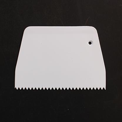 Picture of Cake Scraper Decorating Comb Narrow Zigzag Edge Plastic L13.5xW9.5 cm. (GC280-8222)